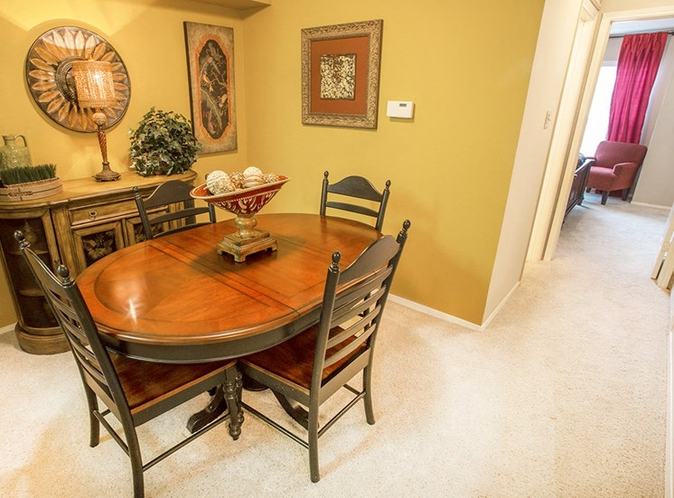Retreat at Spring Park model suite dining area in Garland, TX