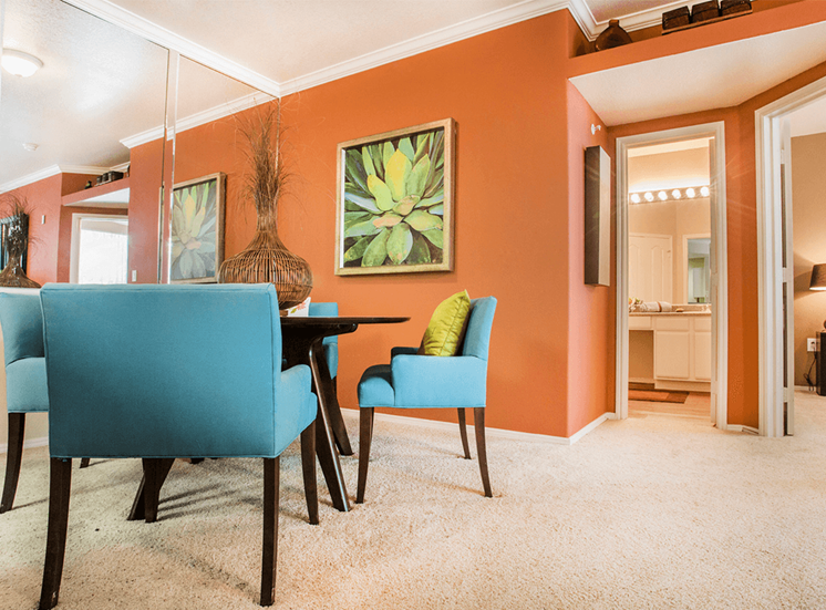 Grand Venetian model suite dining area in Irving, Texas