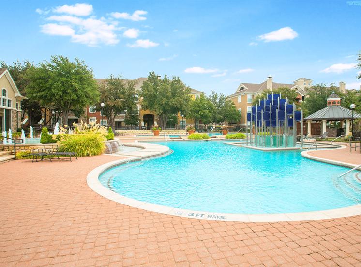 Grand Venetian apartments swimming pool in Irving, Texas