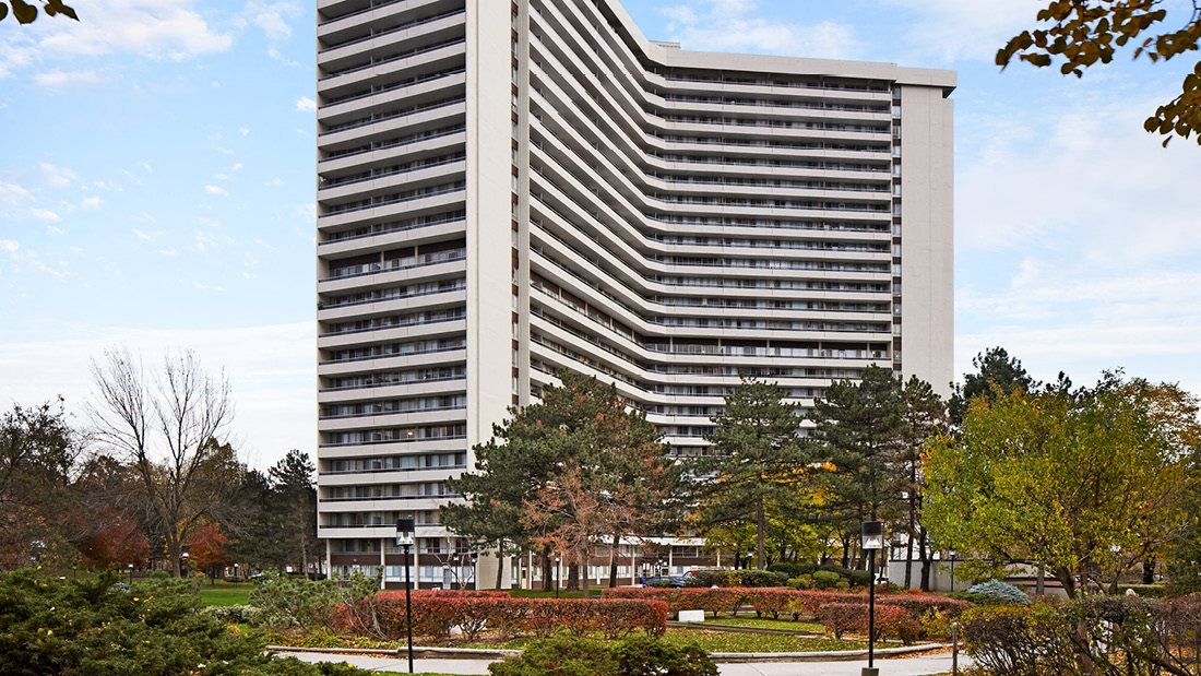 Rideau Towers - 47 Thorncliffe Park Drive
