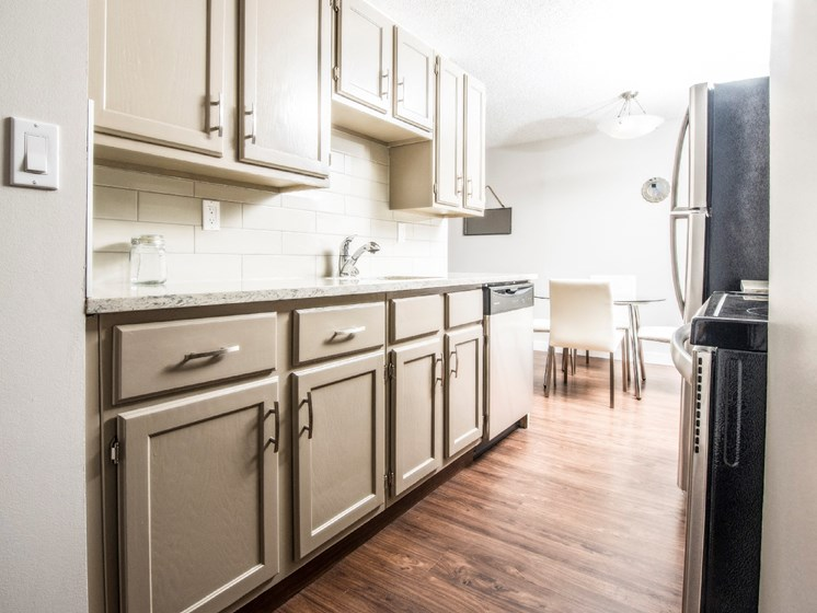 Spacious Kitchens With Stainless Steel Appliances