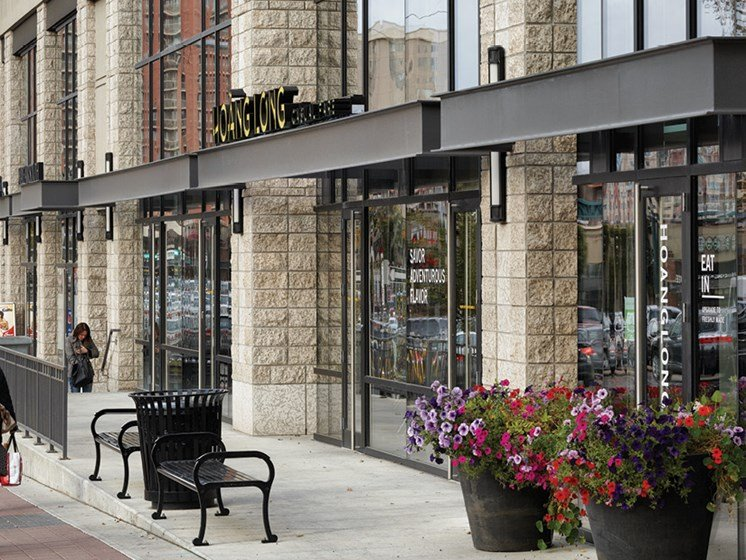 Close to Downtown Shopping & Dining