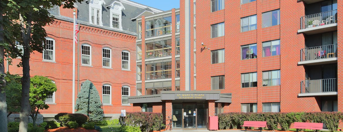 Photo of the building and main entrance.