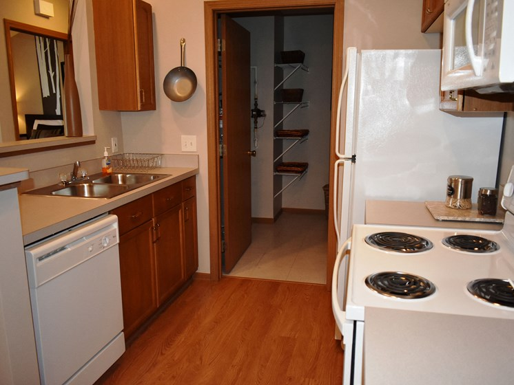 Cook it up in our 1BR apartment kitchen!