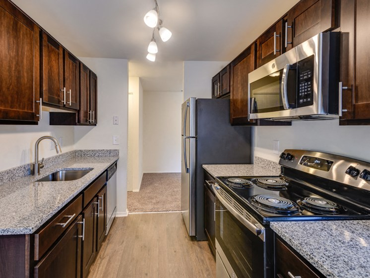 Custom look kitchens at Westwinds Apartments