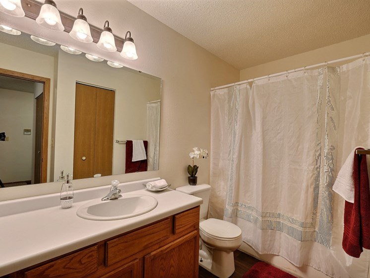 Chestnut Ridge Apartments | 2 Bdrm - Bath
