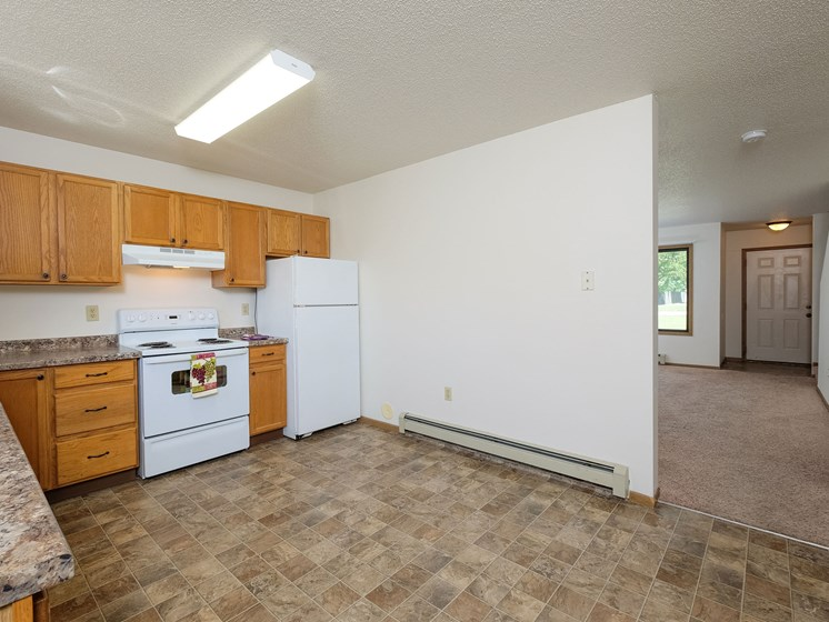 Hazelwood Townhomes | 3 Bdrm - Kitchen-Dining