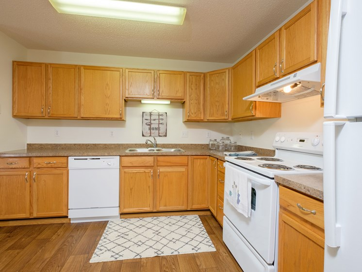 Danbury Apartments | 2 Bdrm-Kitchen