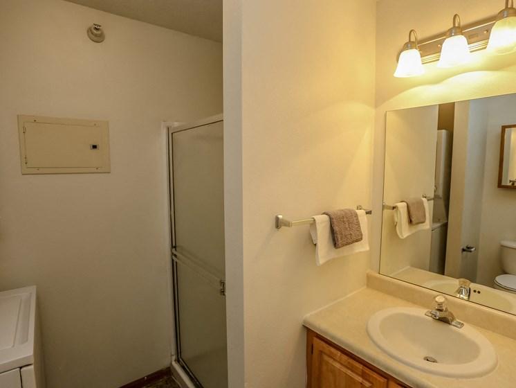 Deerfield Apartments | 3 Bedroom | Master Bath