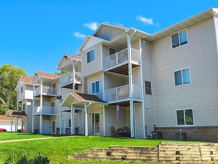 Deerfield Apartments | Council Bluffs, IA