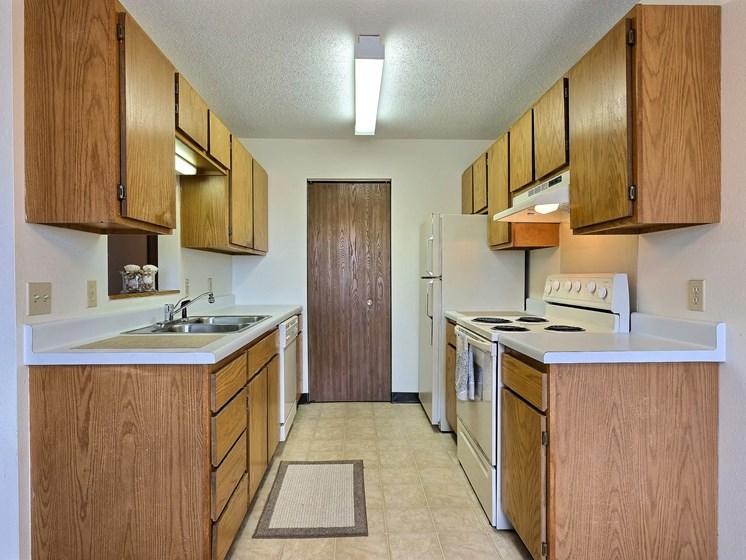 Prairiewood Meadows Apartments | 2 Bdrm - Kitchen
