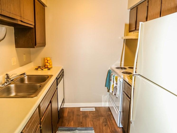 Stony Brook Apartments | 2 Bedroom | Kitchen