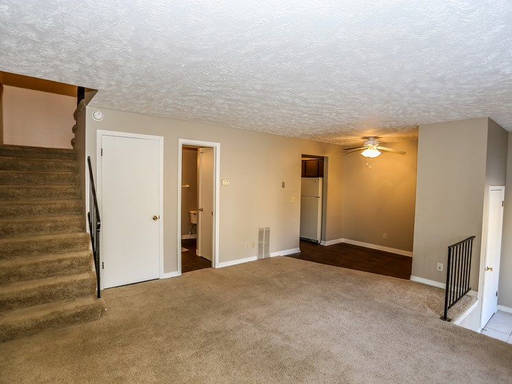 Stony Brook Apartments | 2 Bedroom | Living Room | Dining