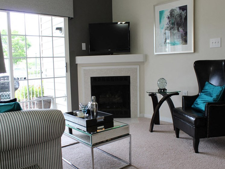 Living Room With Standard Fireplace at Abberly Twin Hickory Apartment Homes by HHHunt, Glen Allen, Virginia