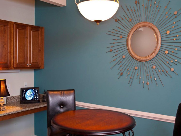 Unique Decor at Abberly Twin Hickory Apartment Homes by HHHunt, Glen Allen