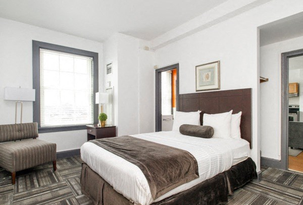 One bedroom apts for rent in Boston.