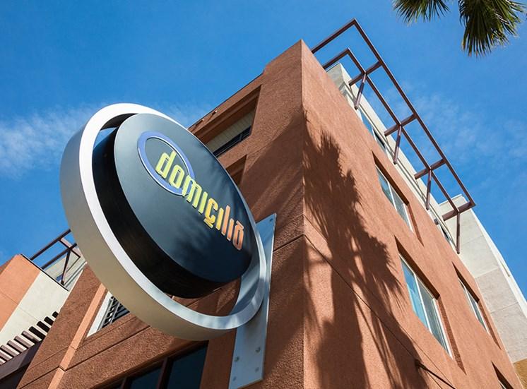 Domicilio exterior building sign