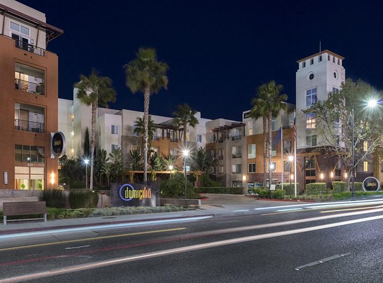 domicilio apartment exterior at night