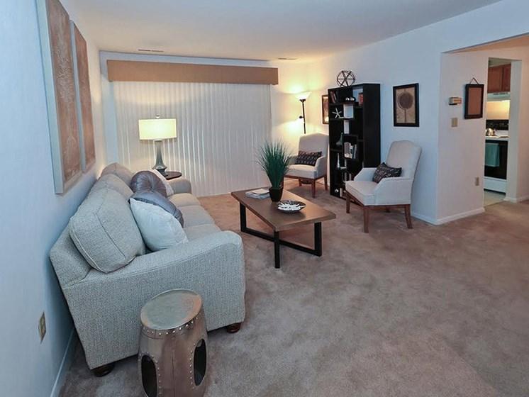 Brightly Lit Living Room  at Foxridge Apartment Homes, Blacksburg