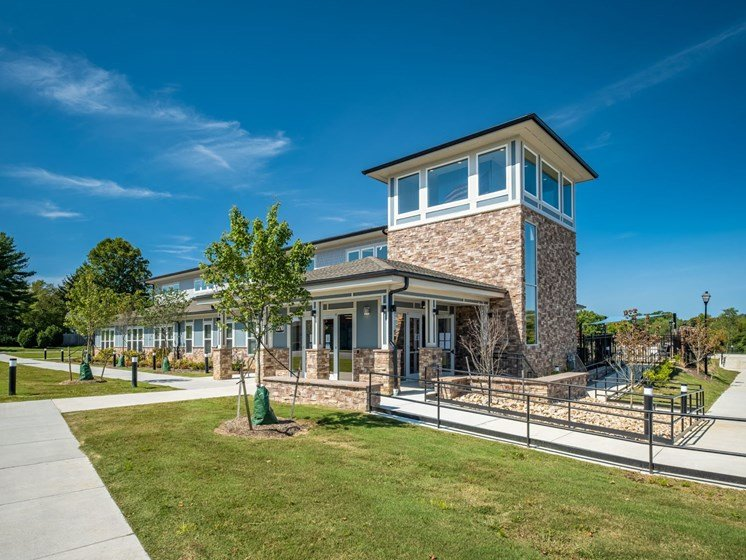 Building exterior with Walkways at Foxridge Apartment Homes, Blacksburg, 24060