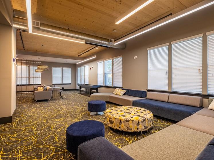 Modern Sitting area at Foxridge Apartment Homes, Blacksburg