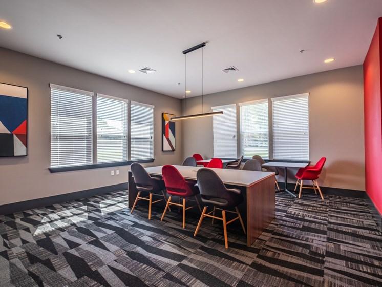 Dining room at Foxridge Apartment Homes, Virginia