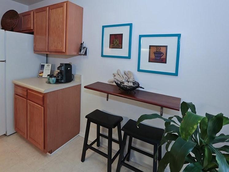 Cabinets and bar stools at Foxridge Apartment Homes, Blacksburg, VA, 24060