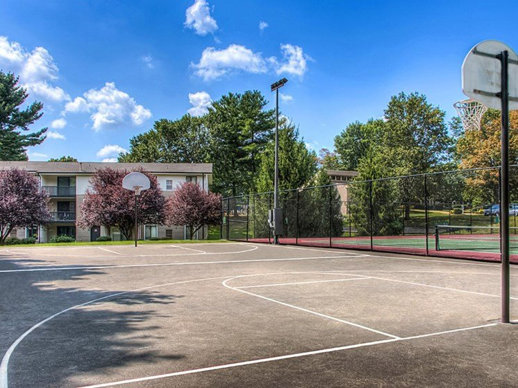 Basket Ball Court at Foxridge Apartment Homes, Blacksburg, Virginia