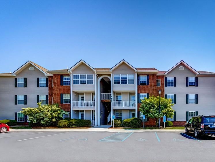 Building View at Foxridge Apartment Homes, Blacksburg, Virginia