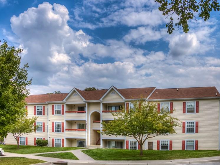 Building View01 at Foxridge Apartment Homes, Blacksburg
