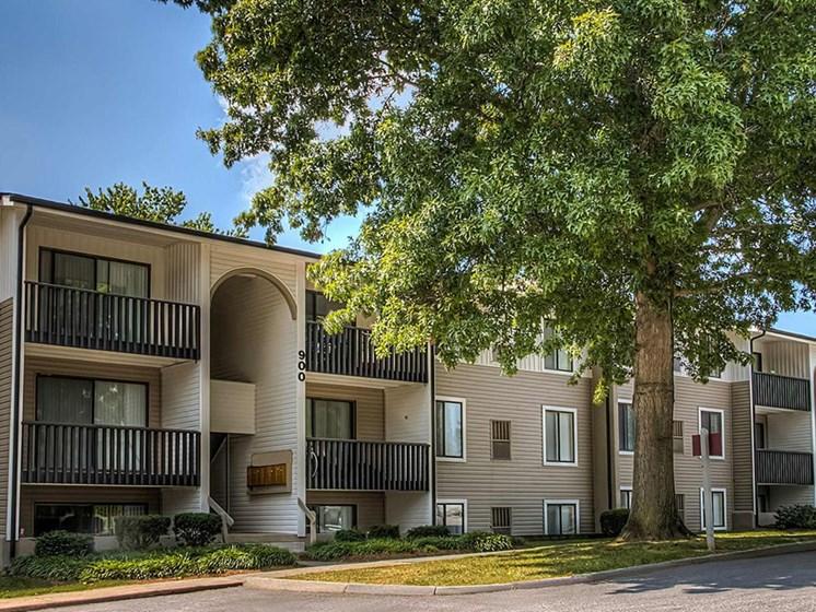 Building View02 at Foxridge Apartment Homes, Virginia