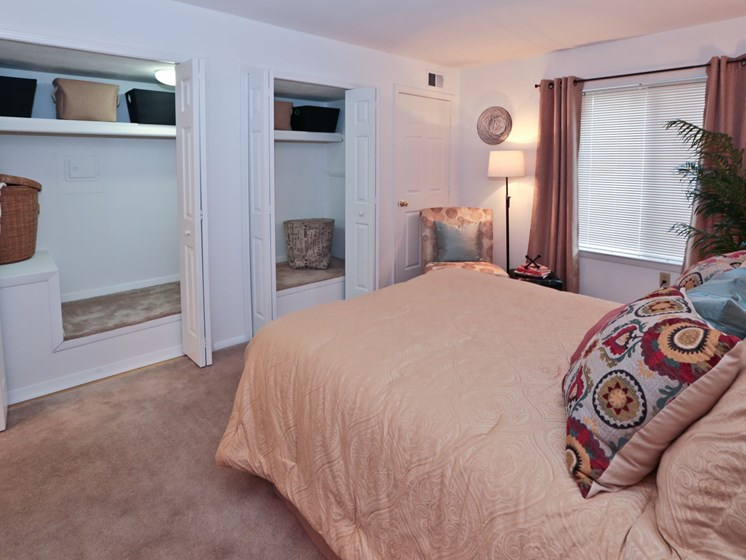 Bedroom with comfy bed at Foxridge Apartment Homes, Virginia