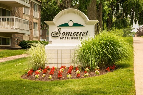 Welcome to Somerset Apartments