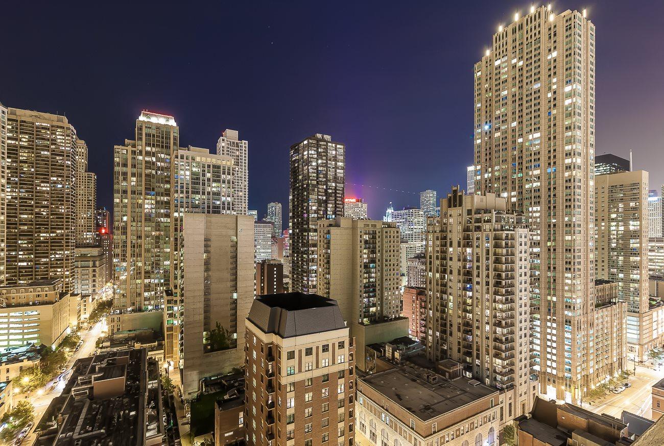 Rooftop Panoramic Chicago Skyline Views