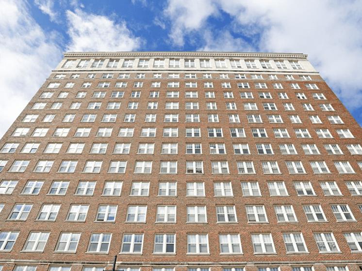 apartment building in Moline, IL