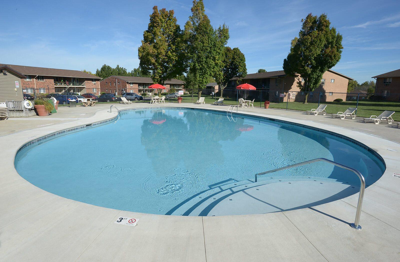 Woodman Park apartments swimming pool
