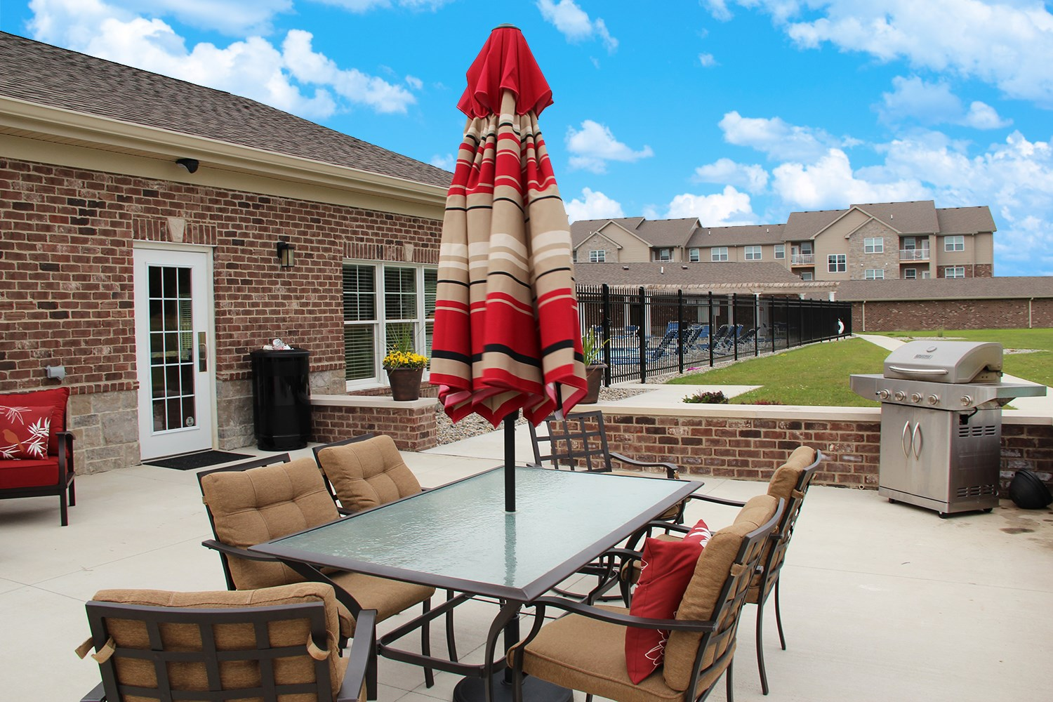 Sun Deck and Grill at Steeplechase at Parkview Apartments in Fort Wayne, IN