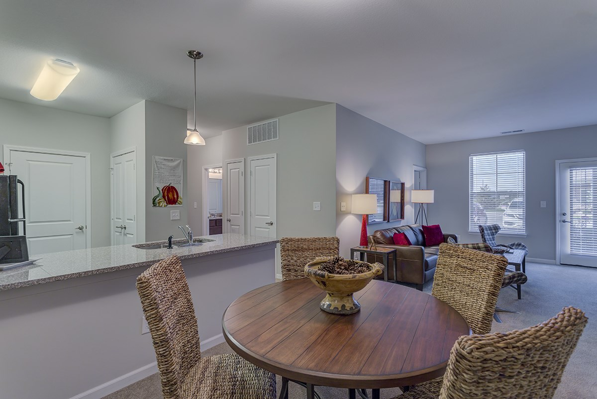 Dining Area at Steeplechase at Parkview Apartments in Fort Wayne, IN