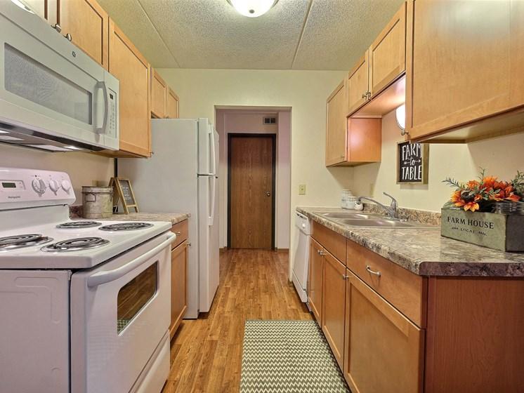 France Apartments | 3 Bedroom | Kitchen