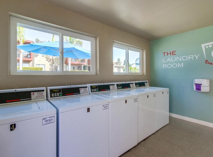 Laundry facilities - Mesa Vista Apartments