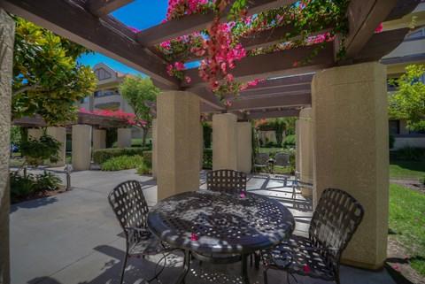 Casa Grande Senior Apartment Homes Lifestyle - Outdoor Seating