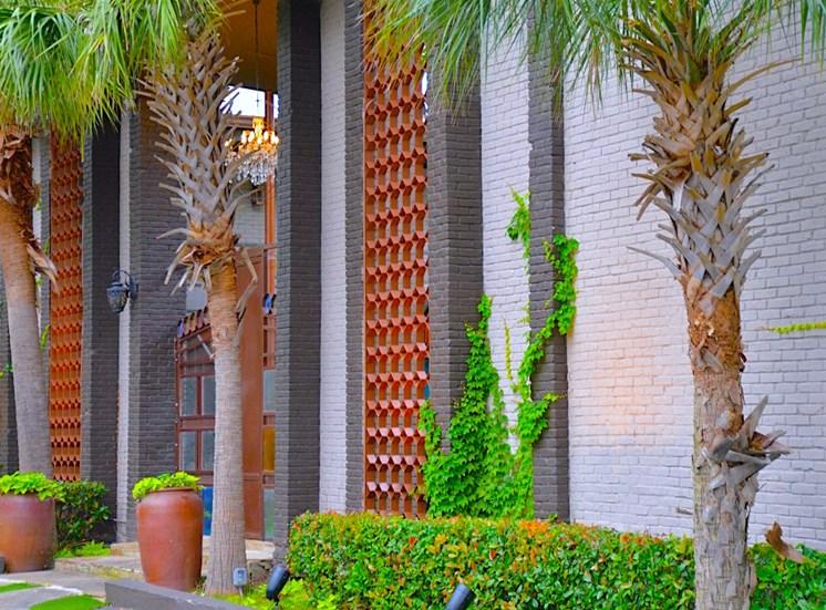 5808 Gaston The Villa Boutique Apartment Entryway