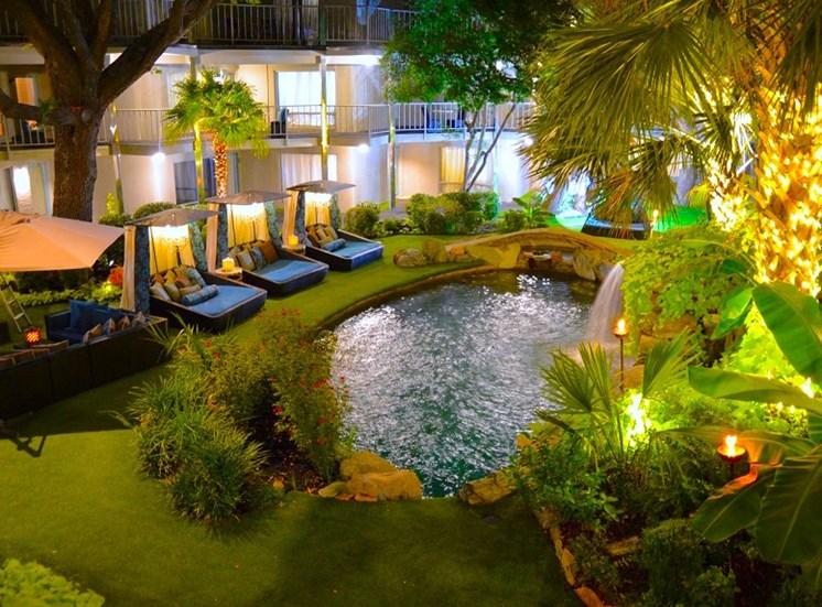5400 Live Oak Le Parc Courtyard Evening View