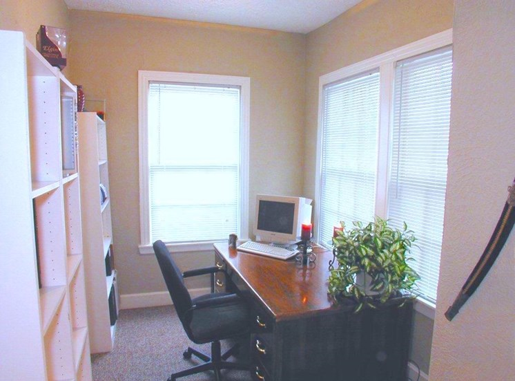 4515 Swiss The Biltmore Office