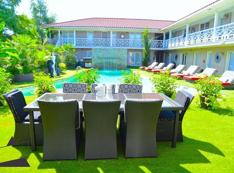 5121 Gaston Garden Villa Outside Dining