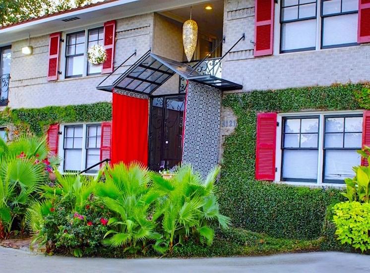 5121 Gaston Garden Villa Apartment