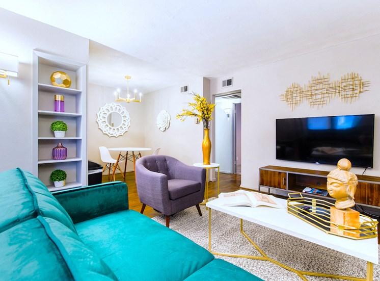 5121 Gaston Garden Villa Living Room And Dining