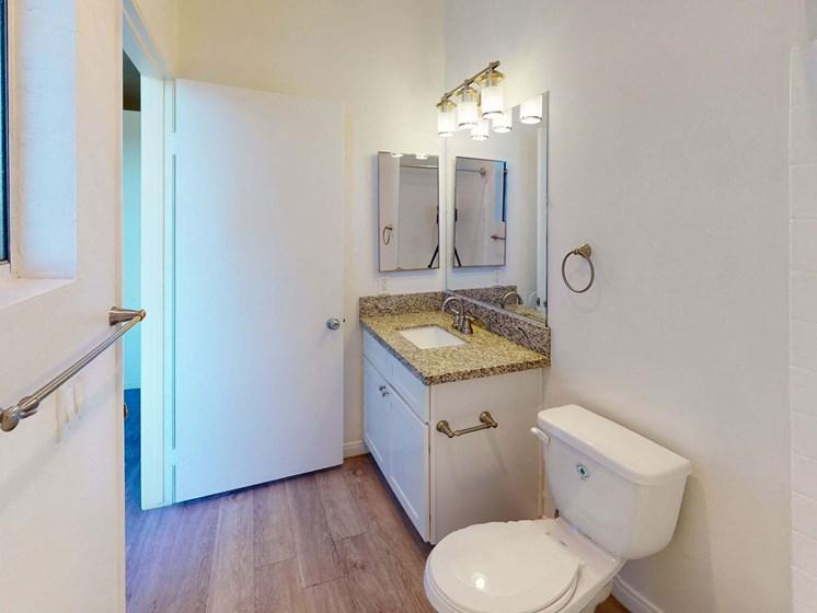 Studio-Bathroom at Oxnard Plaza, North Hollywood