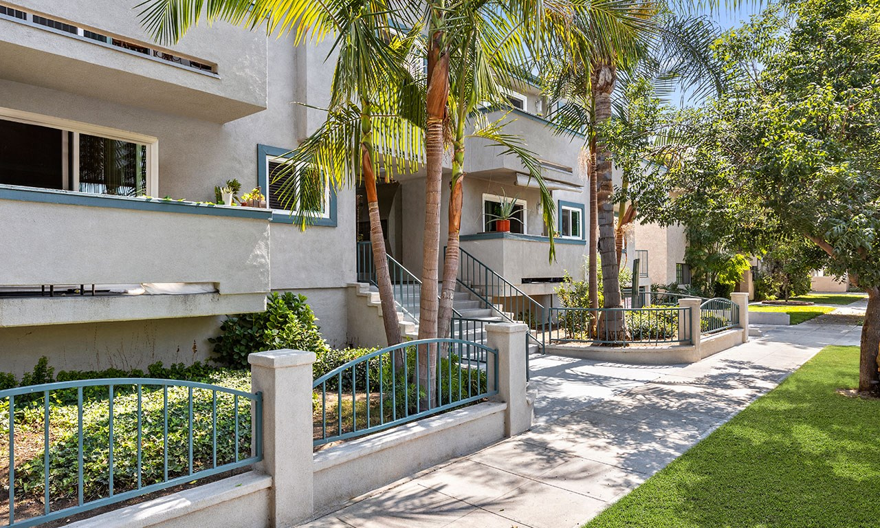 Walkway Near Front Entrance of Property for Elmwood Gardens Apartments in Burbank, CA