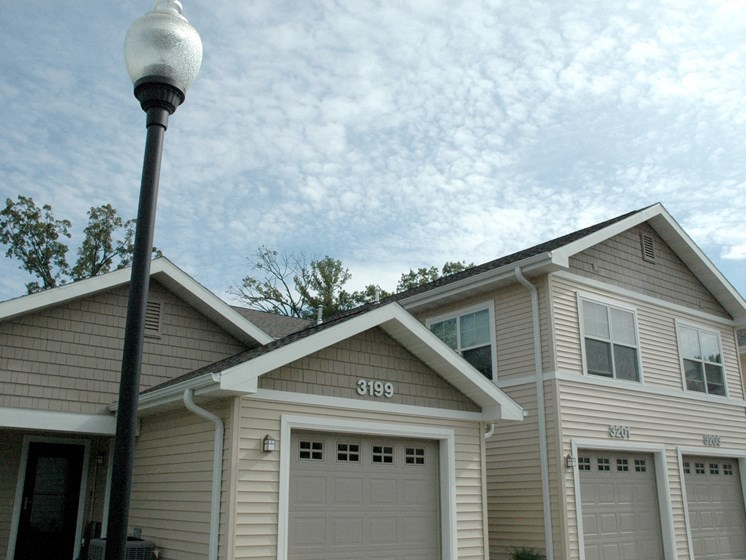 Townhomes & Garages